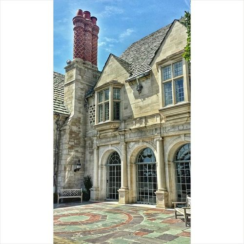 A small portion of the mansion. It wont even fit on my screen. Hiddenla Androidography Mobilephotography Greystonemansion