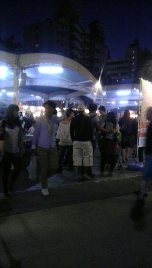 帰り道、矢場公園でnago1グランプリっていう名古屋飯のイベントやってた。すげぇ人