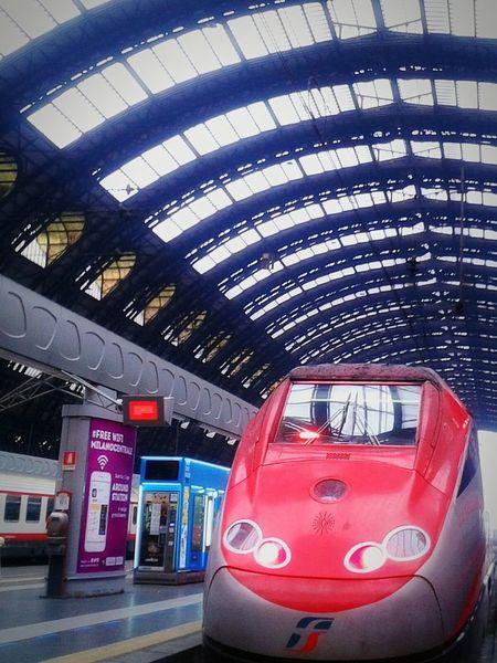 """""""Freccia Rossa"""". Train High Speed Train Train Station Trainporn Treni Trenitalia Frecciarossa Milano Stazione Centrale Smartphone Photography S3mini HDR Edited Eyeemfilter"""