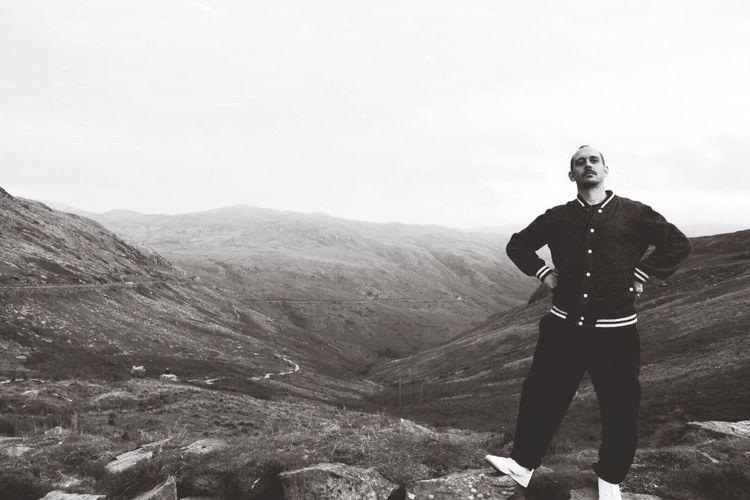 Mountain Standing Mountain Range Landscape Scenics Casual Clothing Nature Valley Adventure Remote Cliff Eeyem EeYem Best Shots Wales Wales❤ Wales UK Eeyemgallery  Eeyem Photography EeyemBestPhotography