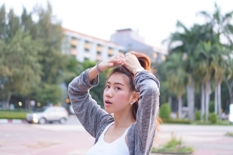 EyeEm Selects City Young Women Athlete Women Beautiful Woman Sports Clothing Exercising Healthy Lifestyle Tree Arts Culture And Entertainment