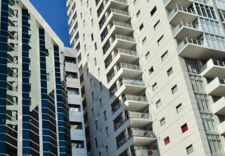 Apartments Or Flats Apartment Apartmentslifestyle Architecture Balcony Building Building Exterior Built Structure City City Life Close Up Of Modern Architecture Detail Of Modern Building Housing Development In Perth Australia In A Row Low Angle View No People Repetition Residential District Skyscraper Sunlight & Shadow Window