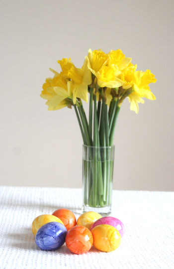 Happy Easter! daffodils and colored eggs Flower Vase Yellow Freshness Fragility Bouquet Indoors  Nature No People Close-up Flower Head Beauty In Nature Flower Arrangement Day Decoration Easter Easter Eggs Colored Eggs Springtime Spring Flowers Daffodils