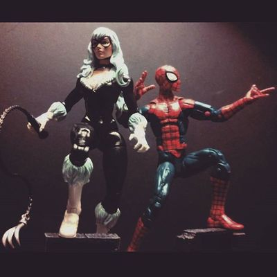 Spidey and Cat on the prowl! Marvellegends Spidey Amazingspiderman Figurelife Figurecollection Spiderman Figures Articulatedcomicbook Webhead Actionfigurephotography Actionfigures BLackCat Feliciahardy Peterparker Infiniteseries Baf Collector Collection Newyork Marvelentertainment Mcu Webslinger Hasbro Disney Avengers