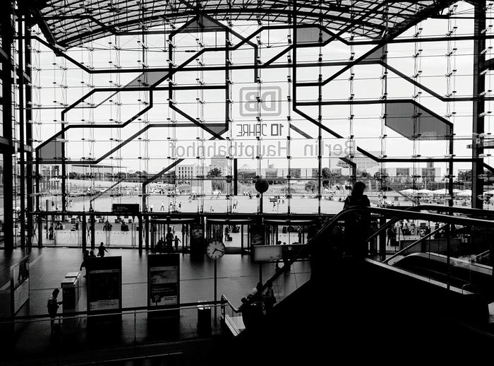 Day 340 - To Hamburg! Berlin Blackandwhite Public Transportation Streetphotography Streetphoto_bw Monochrome Photography Hauptbahnhof Banhof 365project 365florianmski Day340