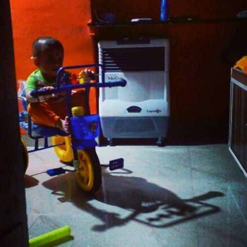 My brother's son VIHAN. He was played with is cycle when i was click.. Picoftheday Photography Home Just_click Awesome Shadow Perfect_lighting Macromax Cellphone Cheapcamerachallenge Enjoy_alot Cute VIHAN Nicepose Ty Raj