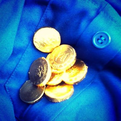 terjumpa syiling emas ni dalam poket :/ kalau jual dapat berapa eh emas ni? :/ Uikmlumut Foundri Sem1