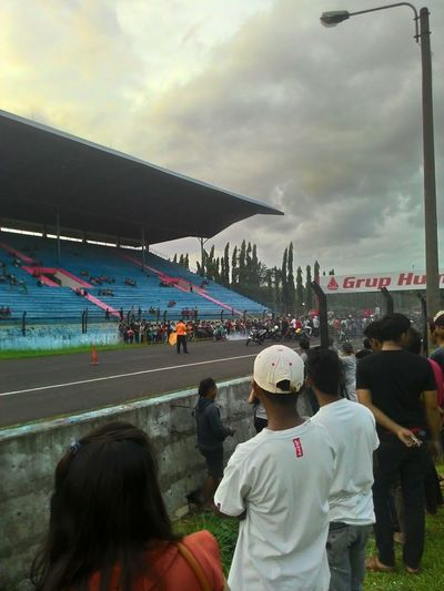 Drag Race Sentul Sera Happy Day
