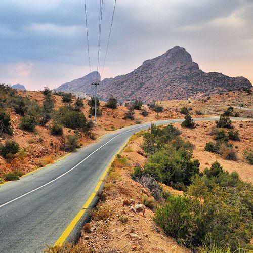 الغروب اليوم في الطائف sunset , cooltowarm , light , 3photos , follow , comment , favourite , tag , photo , nature , road , sky , mountains , cool , warm