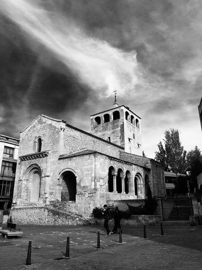 Church in Segovia. Architecture Church Blackandwhite Sky