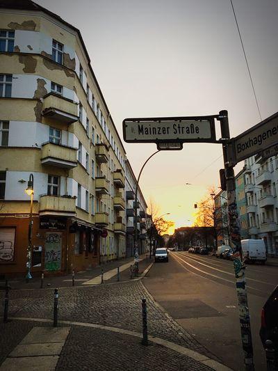 Tschüss Good Bye Mainzer Strasse Urban Sunrise