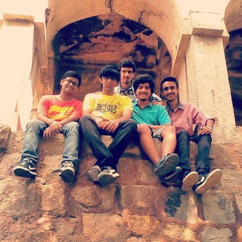 Hauzkhasvillage 12C  Fort The best peeps from the best section evaaar. Amazing day!