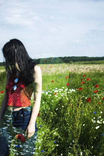 caption Girl Fashion Pose Photography Art Model Attitude Color Red Detail Outfit Unique Love Fashion Photography Flower Young Women Women Rural Scene Beauty Rear View Field Sky Cultivated Land Agricultural Field Farm Go Higher Stories From The City Inner Power EyeEmNewHere Summer Exploratorium Visual Creativity