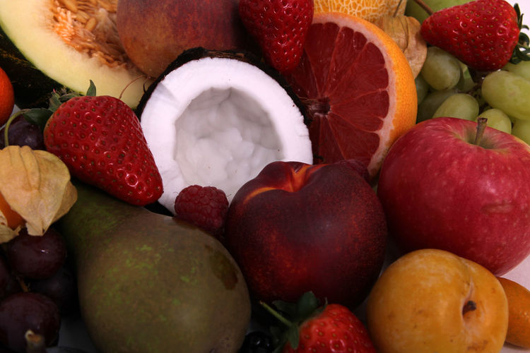 Fruit Healthy Eating Food And Drink Food Berry Fruit Strawberry Variation Wellbeing Choice Freshness Apple - Fruit Tropical Fruit No People Grape Raspberry Pear Full Frame Multi Colored Banana Plum Orange Lychee Melon Ripe