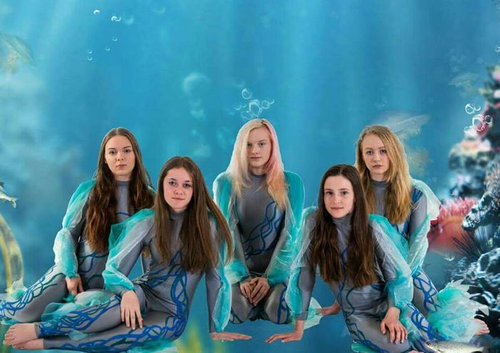 Every year I photograph a youthcirkus to there show. This is 2015`s pix. Enjoy. www.ma-foto.se or kik : mafoto Youth Norrköping Akrobat Mermaid Underwater Circus Studio Photography Posing Kids Nikonphotography