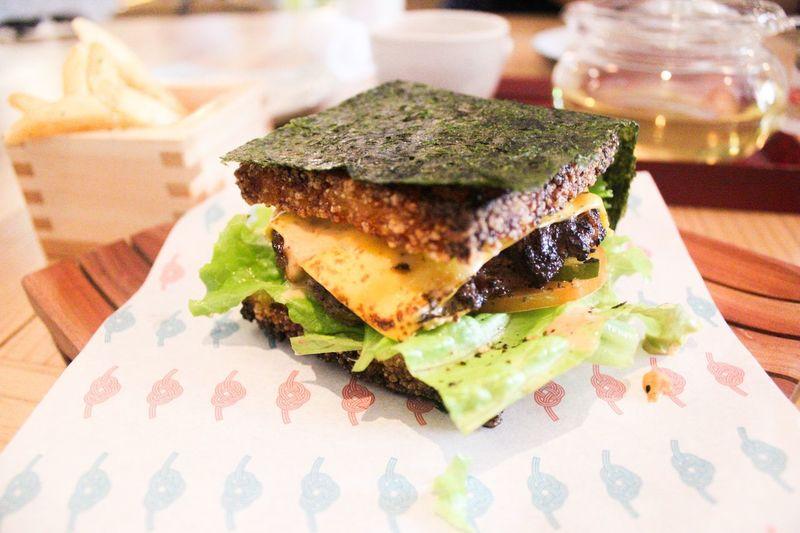 seaweed burger Food Foodphotography Food Photography Foodie Foodporn Foodgasm Foodlover Foodstagram EyeEm Selects Healthy Eating Freshness Indoors  Ready-to-eat Wellbeing Japanese Food