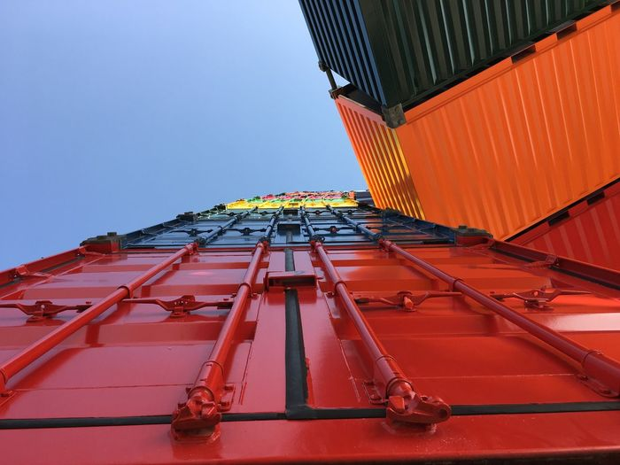 La route de la soie Container Built Structure Building Exterior Architecture Sky Clear Sky Low Angle View No People Red Metal Industry