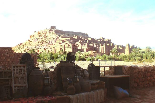 Day Architecture Sky Outdoors People Full Length EyeEmNewHere Sillouette Marocan Style Maroc ❤️ Tourism Market Place Traveling Large Group Of Objects Sunlight Street Market Nature Urban Vacation Destination Maroccan Architecture Oase Palm Trees Kasbah Ait Ben Haddou Kasbahs Beauty In Nature Background Focus The City Light Summer Exploratorium