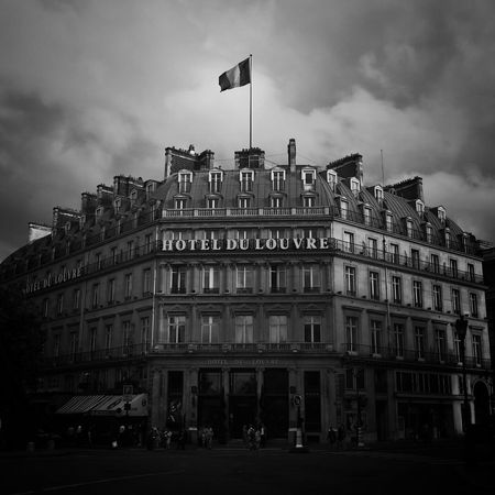 Hotel du Louvre Blackandwhite Photography Blackandwhite Black & White Igersparis Igers Masters_of_darkness Royalsnappingartists Rsa_streetview Rsa_dark Bnw