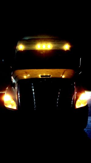 Check This Out Taking Photos Arkansas Up Close My Office Truckography Night Time Night Lights Truckerslife Truckinglife Night My Other Home  Freightliner Freightlinercascadia Work Work Life