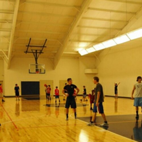 At the y with the squad Basketball Ballerslife Earlyasf Westillinthisbitch rapmusicflowpassgamehittingthreesbreaktimeymcagameon