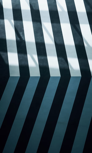 Just some nice structures. Architecture Indoors  Pattern Striped No People Repetition Minimalism Minimal Lines Lines And Shapes Corner Shades Wall Wall - Building Feature Wallpaper Shadow Light Backgrounds Full Frame Geometric Shape Shape Design Close-up Parallel Black Color Capture Tomorrow
