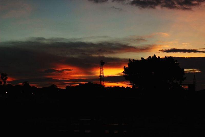 Motivos de Vida. Chinohawk Vida Life Barinas Venezuela Atardecer Atardeceres Twilight Crepusculo Sky