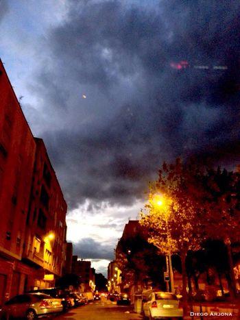 Lluvia Aire Y Nubes Cielo Anocheciendo