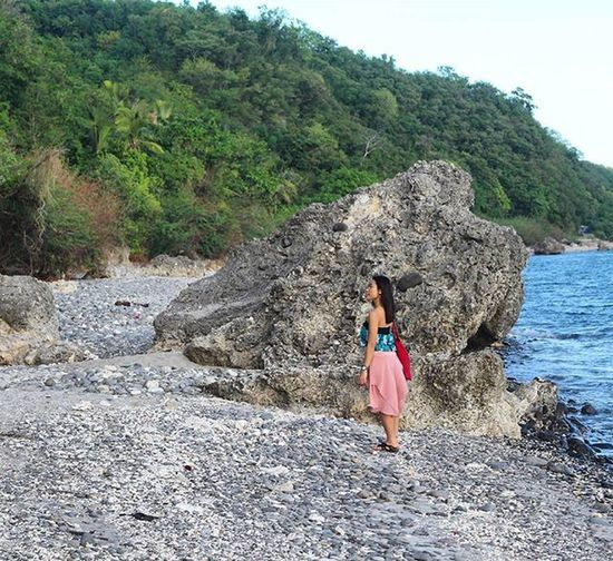 """""""She has a look that tells you you're in the best kind of trouble, the kind you never want to get out of."""" Joniecontinuesherjourney 9pmhabit Igersuniverse Igersmanila Igersphilippines Wheninlobo Travel_captures Beachbabe Nature Beach Wanderlust Traveltodaytv GrammerPH IGDaily ©BrixtonDaza"""