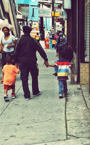 Making the Time Where It Counts... Modern Father RePicture Family People Watching Eea3 - Philadelphia EEA3 The Global EyeEm Adventure Captured Moment From My Point Of View Love The Street Photographer - 2015 EyeEm Awards