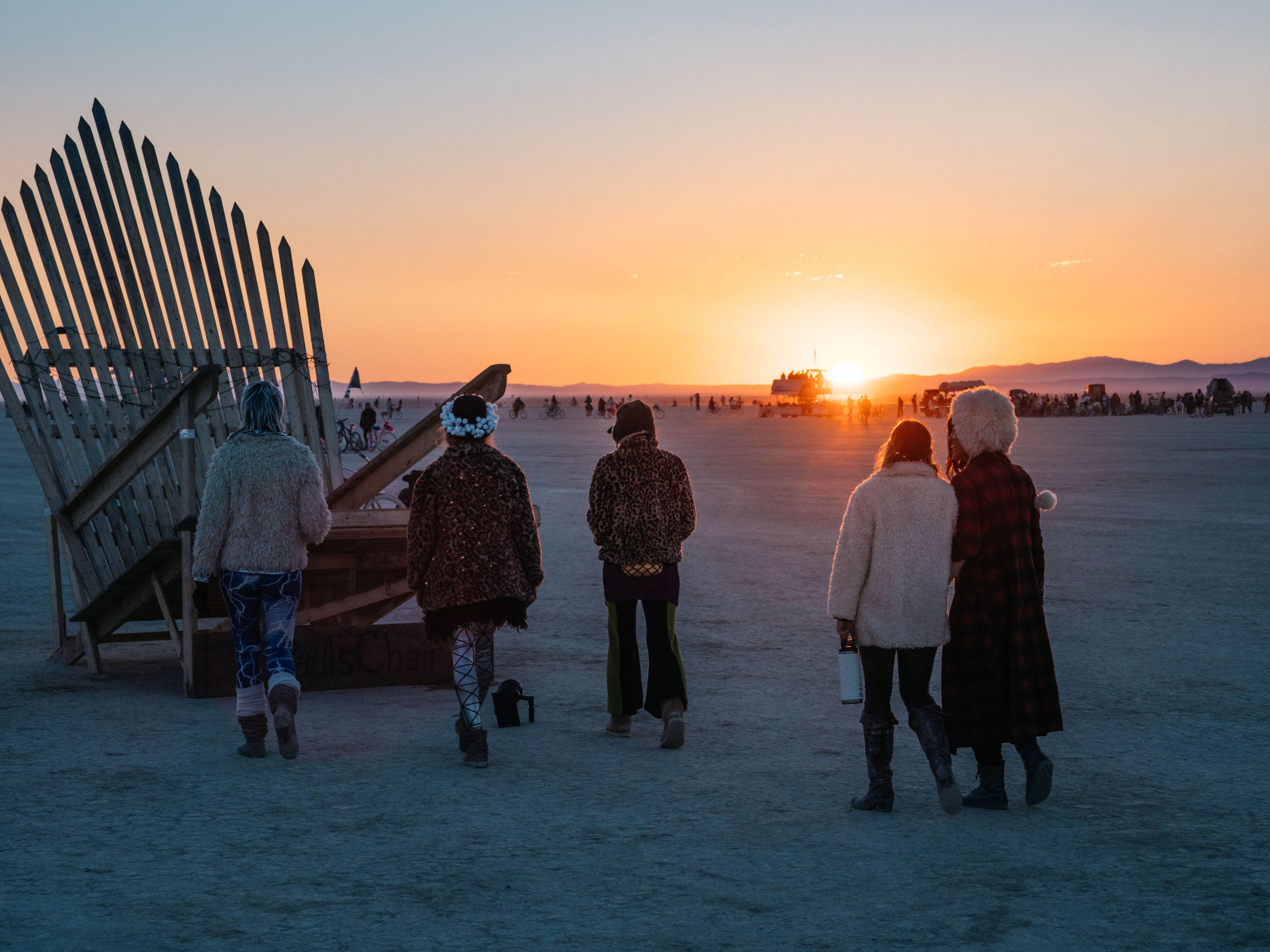 sunset, group of people, sky, real people, women, rear view, full length, adult, nature, sea, leisure activity, people, lifestyles, men, water, orange color, beach, medium group of people, crowd, group