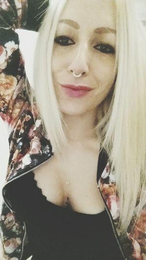 Flower power 🌸🌹🌼🌻 Flowerpower🌸 Springtime Hippie ✌ Weed Life Enjoying Life Blondiegirl Pinklips Vansgirls Septum Piercing INKEDGIRL Pierced Girl Longhairdontcare Tattoosmodel