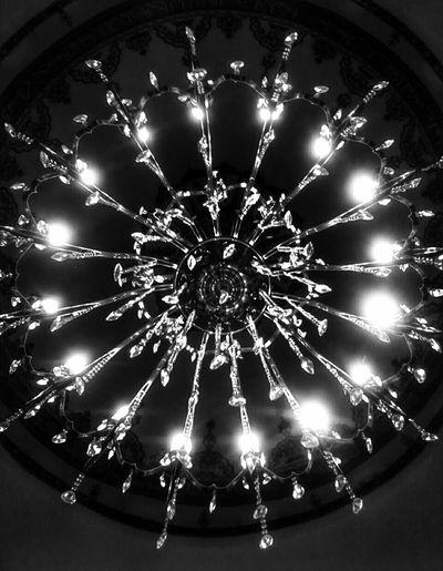 Quran enlightens us like the Chandelier...✨ Proudtobemuslim☝🌙 ProudtobeTurkish🔴⚪ Elhamdülillah Ramadan Mubarak Fastingmonth Eyeemphotography EyeEmTurkey Eyeemawards16 EyeEm Best Shots Mobilephotography Aspect Mosque
