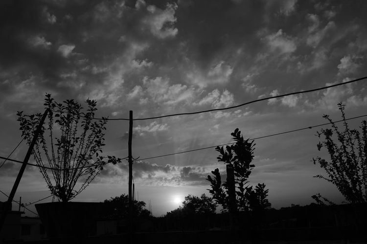 #halloween #halloweeninspiration #nighteffect Blackandwhite Photography Cloud - Sky Clouds And Sky Darkhours Dreamy Reality Horror Photography No People Outdoors Sky Sky_collection