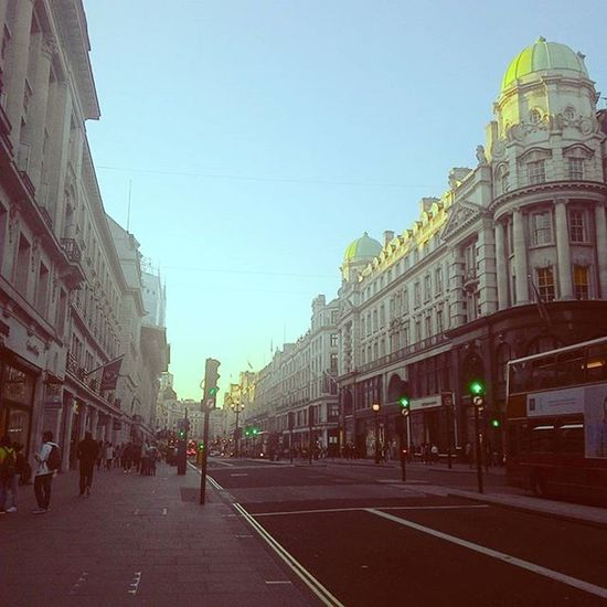 Enjoying what's left of the beautiful sunny day after work Sunnyday Afterwork Oxfordcircus Piccadillycircus Regentstreet Sunday