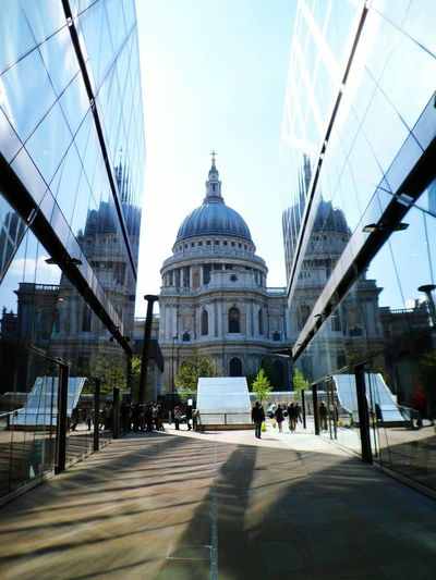 St Pauls reflections Architecture London Famous Place Travel Destinations Capital City Outdoors Travel Capital Cities  International Landmark Connection Place Of Worship Church Cloud - Sky Reflection Incidental People
