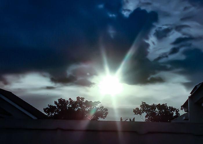 Sky Cloud - Sky Low Angle View No People Silhouette Outdoors Building Exterior Tree Nature Astronomy Shining Sun Shining Light Shiningsun Afternoon Sky Afternoon Light Afternoon
