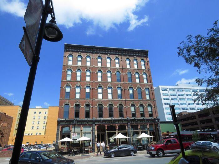 Des Moines, Iowa Colors Colorful Color Portrait Des Moines Architecture Building Sky Skyline Small Town Small City Historical Building
