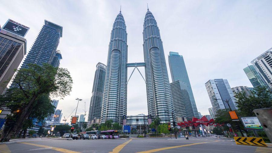 Junction Traffic Lights at Petronas Twin Towers Suria KLCC Kuala Lumpur