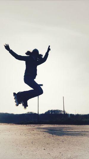 Inliner giiiiiiiiirl Sport Girl Inliner Jumping Full Length Mid-air Silhouette Enjoyment Energetic Fun Real People