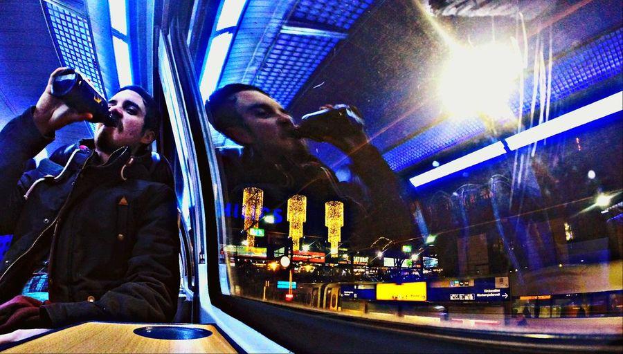 Anotherdayinparadise Zugfahrt  Drink Up Prost!