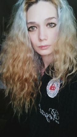 That's Me Hi! Enjoying Life Beautiful Day Hair Style Cute♡ Picoftheday Photooftheday Curly Hair Blonde Hair Selfie✌ Peace ✌ Beauty Love♥ NyraPhotoArt Enjoying Life Happiness Longhair♥ Selfie Portrait Portait Having Fun ♥