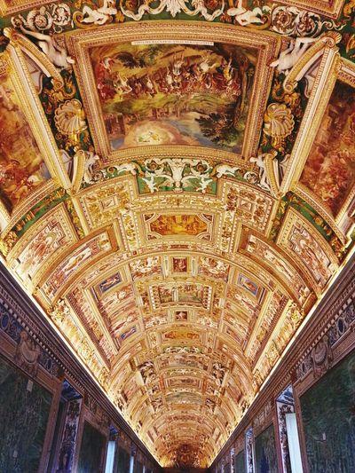 Sealing in Musei Vaticani. Rome