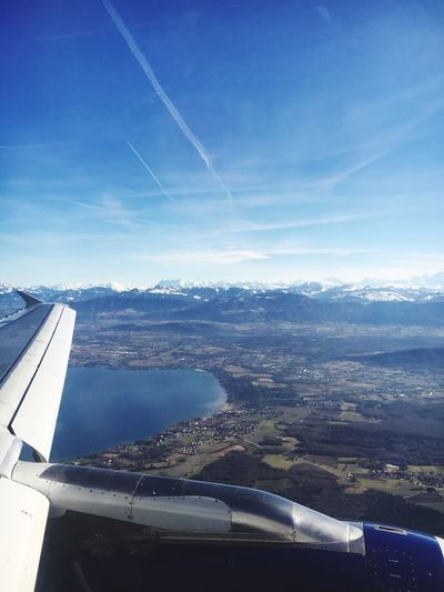 Window seat 💺 🛩 Flight ✈ Flying Descending Plane Aeroplane View Window Seat British Airways Aeroplane Wing Relaxing Alps Switzerland Horizon Bird View Shapes Organised Transportation Sky Mode Of Transport Nature Landscape Journey Scenics Airplane Wing Flying High
