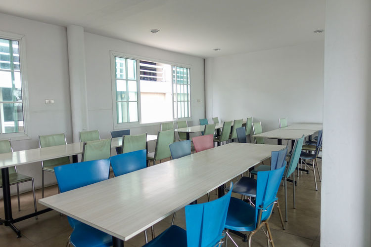 Canteen room Absence Table Indoors  Window Seat Chair Empty No People Day Furniture Education Business School Domestic Room Modern Architecture Neat Wood - Material Arrangement Luxury Ceiling Dinner Food Court Canteen