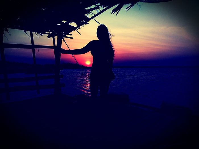 Sunset.. Tondolbeach Tondolbeachandapangasinan Andapangasinan Beachbreak Beachvacation Vacationbreak Summerfeels Summer2018 Travel Travelpamore2018 Ianielle2018 Water Sea Sunset Tree Beach Silhouette Standing Women