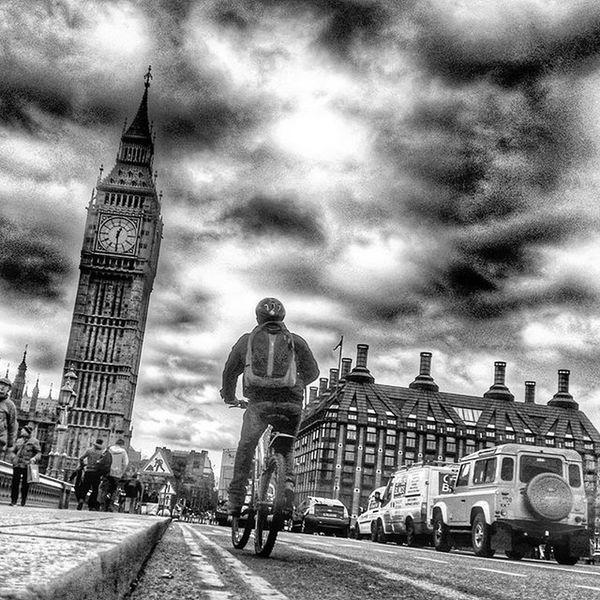 Westminster Bridge, London. Westminsterbridge Westminster Bigben Housesofparliament Riverthames Londonsouthbank LondonEye London Blackandwhite Londoninblackandwhite Blackandwhitechallenge