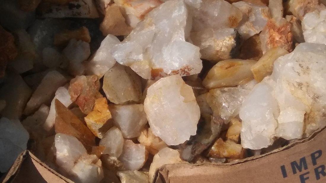 Quartzimage Quartz-dolomite Quartz Point Quartzstone Quartzite Quartz Rocks Quartz Crystals Quartz Stone Quartz Crystal Full Frame Close-up Quartz Crystal Gemstone  Semi-precious Gem Mineral Marbled Effect Diamond Shaped Precious Gem Jewellery