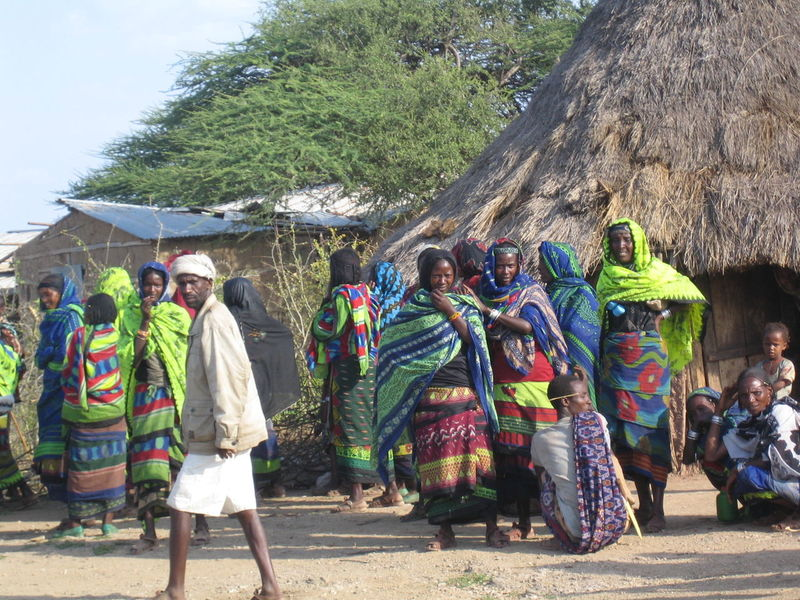 Day People Tradition Outdoors Men Adult Full Length Tree Only Men Ethiopia Ethiopian Photography 🇪🇹Tribe Ethiopian Photography Colorful Colourful Tribal Tribe