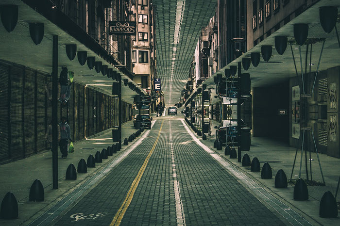 DiCaprio en Buenos Aires Architecture Composition Fernow Inception Leading Perspective Symmetrical Symmetry The Way Forward The Street Photographer - 2016 EyeEm Awards The Great Outdoors - 2016 EyeEm Awards The Architect - 2016 EyeEm Awards